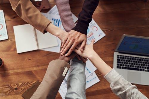 精选98个合作热点,是目前引人注目的合作问题,包括项目合作,个人合作,公司合作,创业合作,团结合作,寻求合作等,供您学习研究参考。